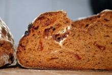 Tomaten-Kartoffel-Brot