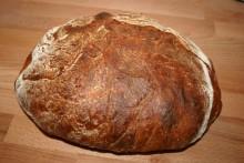 Brot mit ofengerösteten Kartoffeln