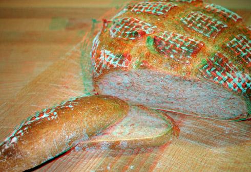 Das angeschnittene Brot in 3D (mit 3D-Brille ansehen).