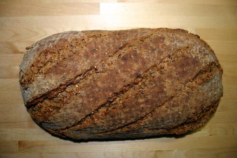 Leinbrot: mit Leinsamen und Leinöl