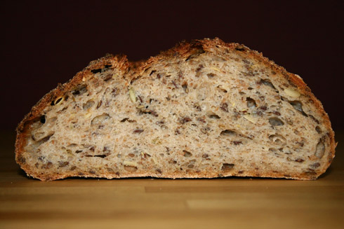 Krume des Brotes mit insgesamt 3 Stunden Teigruhe.
