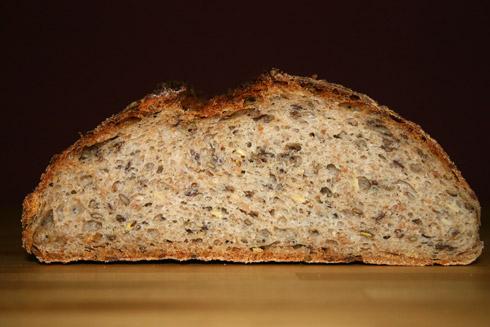 Krume des Brotes mit insgesamt 4 Stunden Teigruhe.