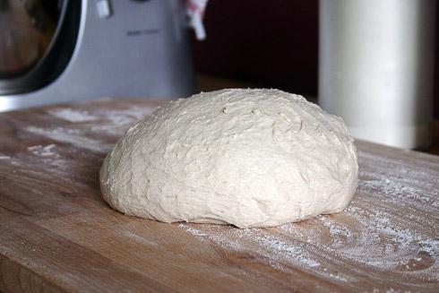 1. Der Baguette-Teig wartet auf seine Verarbeitung.