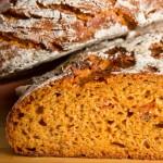 Aus alt mach neu: Tomaten-Kartoffel-Brot (1. Versuch)