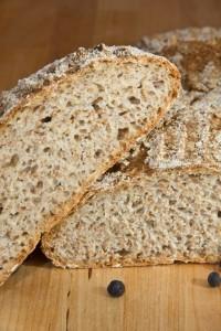 Feinporige Krume, knusprige Kruste und ein leichter Duft nach Sauerkraut. Dieses Brot passt besonders zu Kassler oder anderen typischen Fleischgerichten mit Sauerkraut.