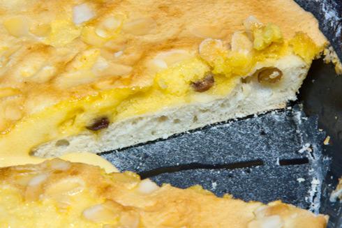 Lockerer Hefeteig und saftige Scheckenmasse: Eierschecke nach Freiberger Art