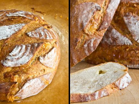 Geschmolzener Camembert umhüllt von einer kleinporigen, weichen Krume und einer dünnen, knusprigen Kruste: Camembert-Brot
