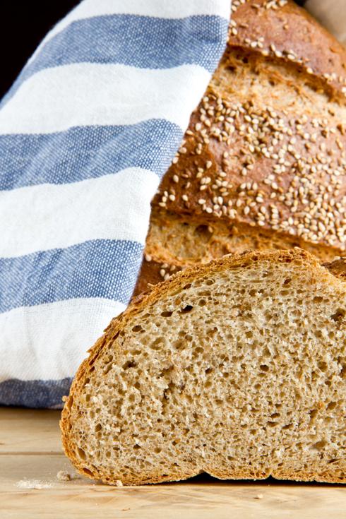 Kleinporig, fluffig und nussig im Geschmack: Psomi - Griechisches Brot nach George Greenstein