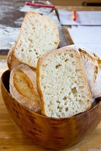 Herrliche Porung, elastische Krume und milder Geschmack: Biga-Brötchen nach Ciril Hitz
