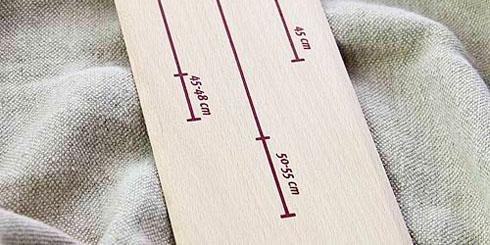 Extra lange Kippdiele aus Frankreich, um Teiglinge für Baguettes oder Bâtards schonend vom Leinen in den Ofen zu transportieren.