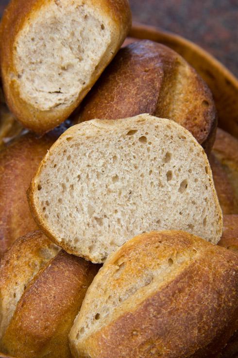 Mildherber Geschmack und lockere Krume: Joghurt-Bier-Brötchen