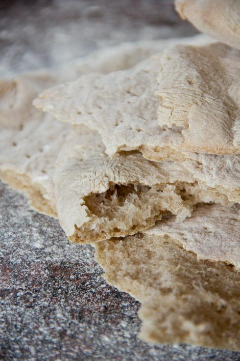 Locker, saftig und aromatisch: Arabisches Fladenbrot (Khubz)