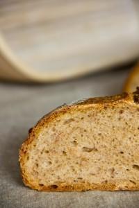 Kleinporig mit in der Krume versteckten Köstlichkeiten aus Italien: Aus alt mach neu: Parma-Parmesan-Brot