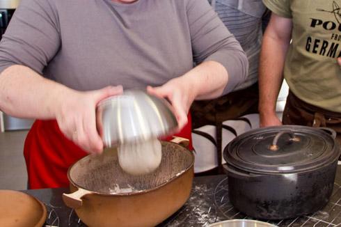 Brotbacken im Topf - eine gute Alternative für Öfen ohne Bedampfungsfunktion.
