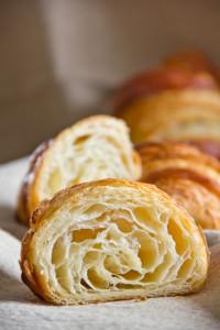 Großporig und butterig: Croissants