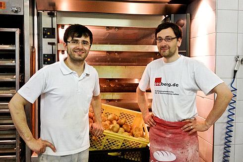 Der Bäckermeister und sein Geselle: Ricardo Fischer und ich nach dem letzten gemeinsamen Backtag.