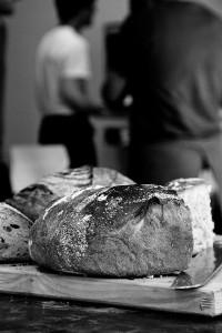 Jedes Brot wird am Nachmittag verkostet und beurteilt.