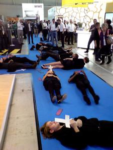 Flashmob als politische Kunst auf der Südback