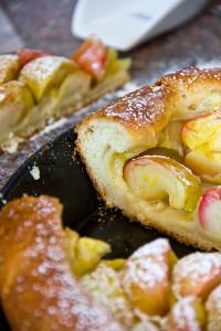 Saftig, wattig-weich und süß-säuerlich: Apfelkuchen mit Kartoffelteig