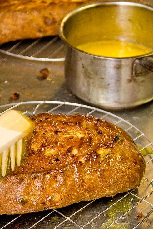 Buttern, anschließend zuckern....