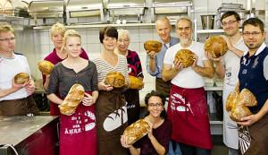 Glückliche Teilnehmer des 1. Brotbackkurses für Anfänger in Oberwiesenthal