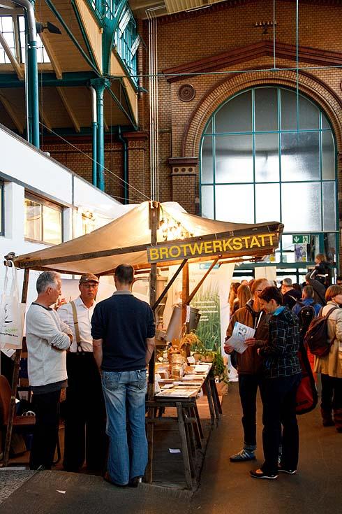 Für mehr als ein Foto hat es beim Stadt-Land-Food-Festival nicht gereicht. Links steht übrigens einer der ganz wenigen ökologischen Saatgutzüchter in Europa, hier aus der Schweiz.