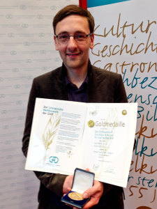 Stolzer Lutz: Urkunde und Goldmedaille für mein Brotbackbuch