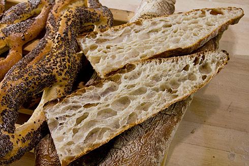 Eine Art Ciabatta, allerdings mit kleberstarkem spanischen Mehl