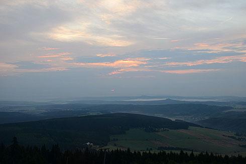 Sonnenaufgang über dem Westerzgebirge bei Neudorf