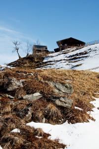 Blick von Süd auf die Hütte.