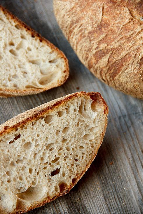 Locker, elastisch, mild: Mediterranes Weizensauerteigbrot