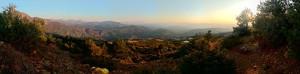 Wann darf man am Abend aus dem Haus treten und solch einen Ausblick genießen? Wir durften, in Gjinar, Albanien.