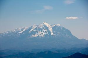 Großes Bergmassiv an Albaniens Ostgrenze.