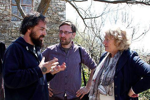 Orges, Lutz und Roswitha fachsimpeln über albanisches Essen.