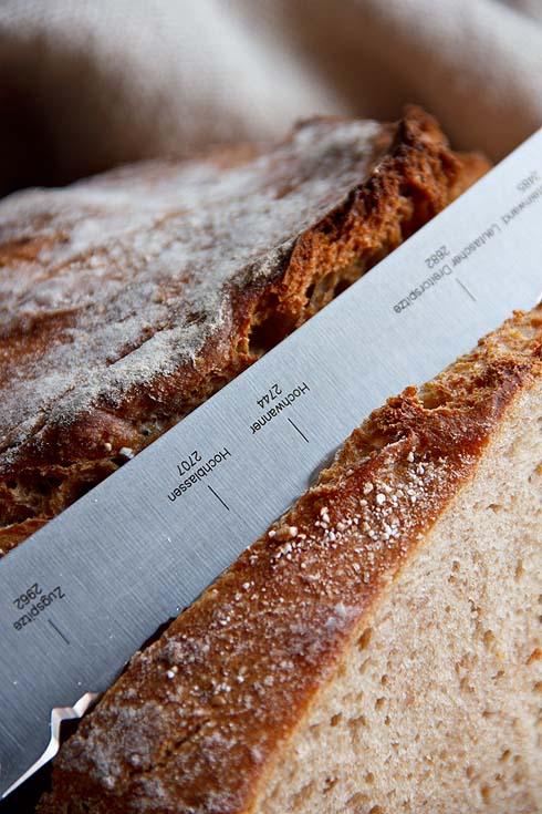 Hinein ins Brot.