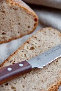 Der kleine Bruder vom Brotmesser, auch mit Palisandergriff.