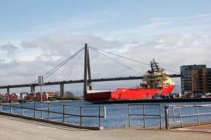Per Schiff, per Brücke und bald auch per Tunnel. Norwegen baut die Infrastruktur aus.