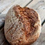 Alm-Rezepte: Weizenmischbrot mit Saaten (helle und Vollkornvariante)
