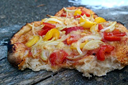 Mittelporig, locker und nur mit Sauerteig getrieben: Pizza