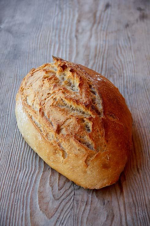 Brot aus Baguette-Teig.