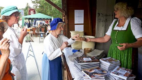 Am Sonntag hatten wir auch noch einen Stand auf dem Handwerkermarkt des Dorffestes