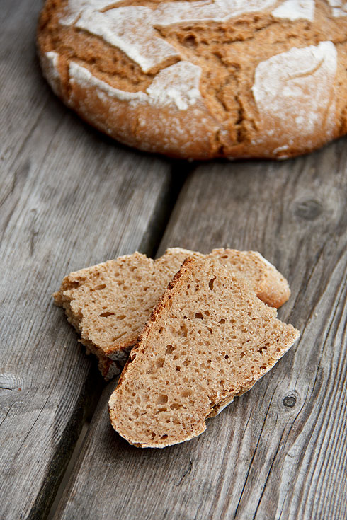 Hoher Vollkornanteil und dennoch sehr locker: Roggen-Dinkel-Brot mit Kartoffel
