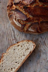 Relativ schnell gemacht und sehr lecker: Hafer-Dinkel-Brot