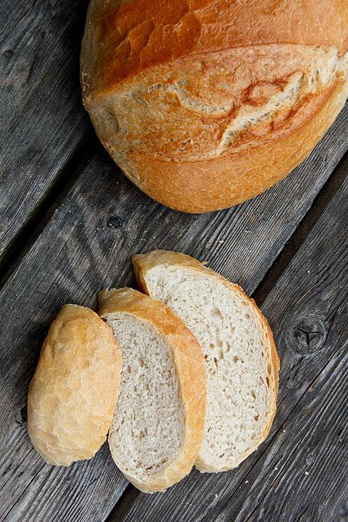 Locker, fluffig und mit Geschmack bepackt: Weißes Brot