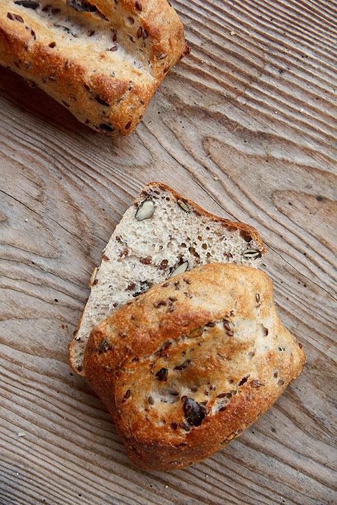 Luftig-locker mit viel Geschmack: Weiße Brötchen (mit Saaten)