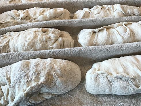 Vorgeformte Baguette-Teiglinge