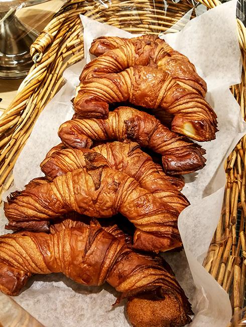 Auf Art des Hauses geformte Croissants.