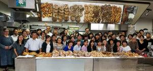 Die Gruppe des Demokurses hinter unseren Broten