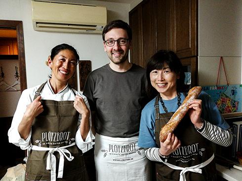 Frau Okamoto (links) und Fujijo, eine Freundin, die auch schon meinen Stollenkurs im Erzgebirge besucht hat.