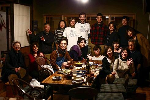 Abschiedsfoto und Vorfreude auf ein Wiedersehen mit Kosaku Hidaka und seiner Familie